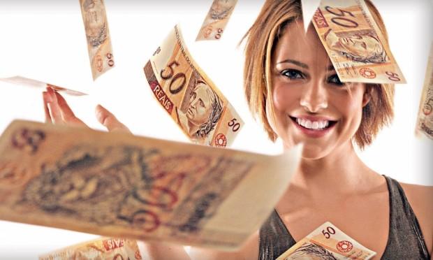 Resultado de imagem para mulher rica