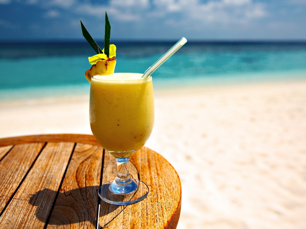 Food___Drinks_Beach_Cocktail_030021_1