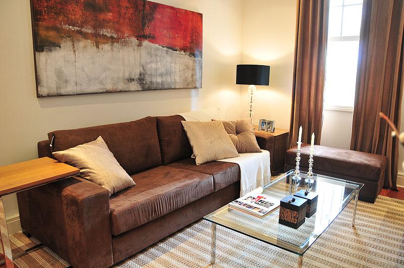 Decorando a sala sof s que d o um toque especial e fazem for Sala de estar marron