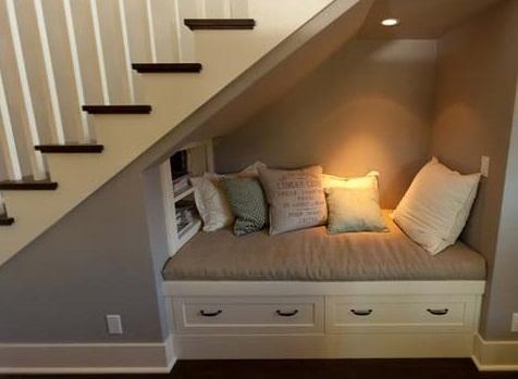 entrada-debaixo-das-escadas
